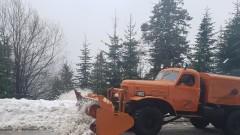 Километрична опашка на пътя Велико Търново - Севлиево заради снега