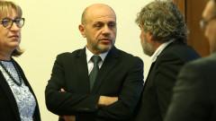 """Дончев изпрати документи по аферата """"Ало, Банов съм"""" в прокуратурата"""