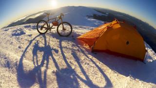 В Девня приютиха премръзнал френски авантюрист, обикалящ Европа с велосипед
