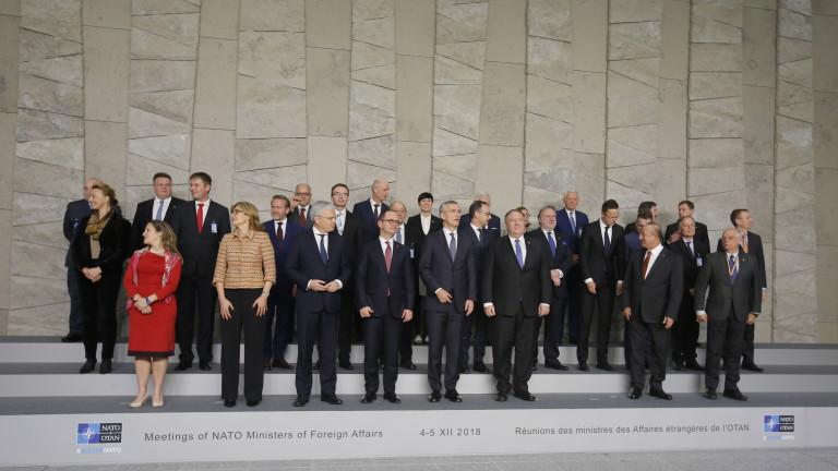 От Русия зависи съдбата на ядрения договор от Студената война, предупреди НАТО