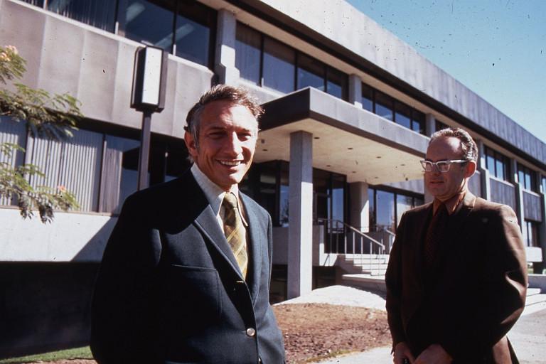 Създателите на Intel физици Робърт Нойс и Гордън Мур