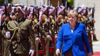 Меркел няма да рискува с Южна Корея...