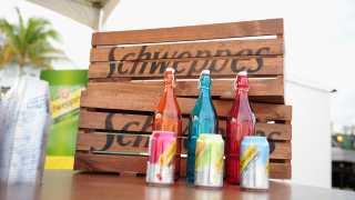 Производителят на Schweppes купи конкурент за $1,7 милиарда