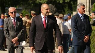 """Румен Радев """"приключи морално"""" управлението на Борисов"""