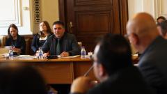 Правна комисия подкрепи ветото на Плевнелиев