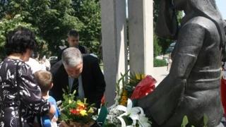 Отдадоха почит на лекари и спасители, жертвали живота си