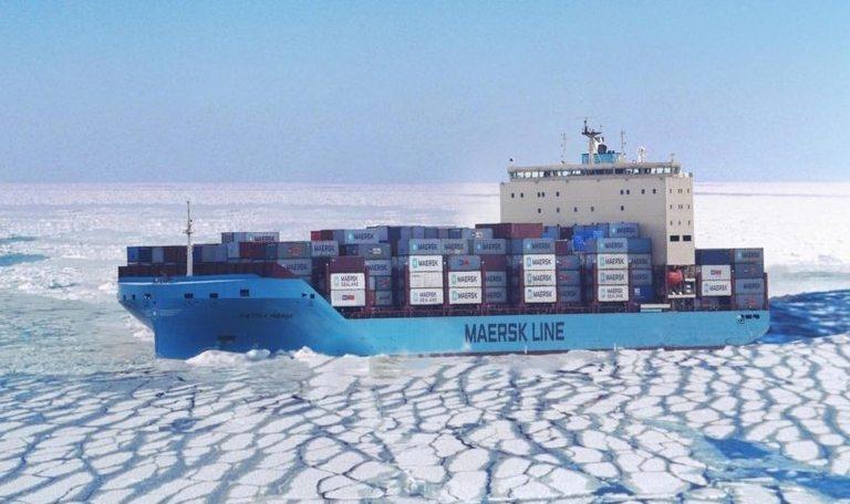 Venta Maersk се бори с ледовете