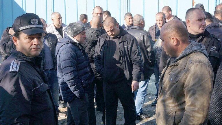 И пазарджишките надзиратели протестират