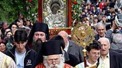 Започна литийно шествие с иконата от Бачковския манастир