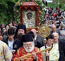 Троянският манастир отбелязва Богородица