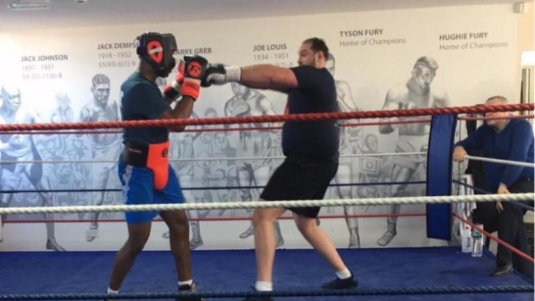 """Дебелият """"крал"""": Джошуа ще го бия с една ръка!"""