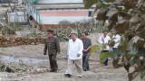 Порои в Северна Корея, наводнени домове, щети по пътища и полета