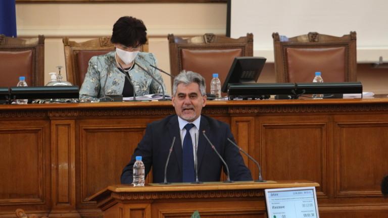 Михов: ВМРО търси образователен ценз с промените в бюлетината
