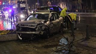 Верижна катастрофа с четири коли край Ректората