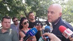 """Най-малко 10 ареста при спецакцията в хотелите """"Маринела"""" и """"Марица"""""""