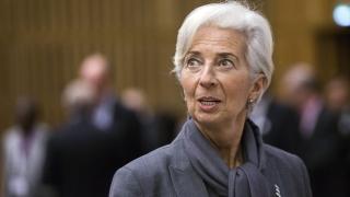 Световната икономика продължава да буксува, алармира МВФ