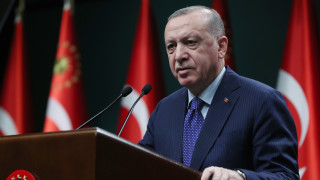"""Турски съд пусна адмирали от запаса, обвинени от Ердоган в """"политически преврат"""""""