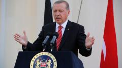 Ердоган плаче по телевизията, Западът не го било грижа за жертвите на пуча