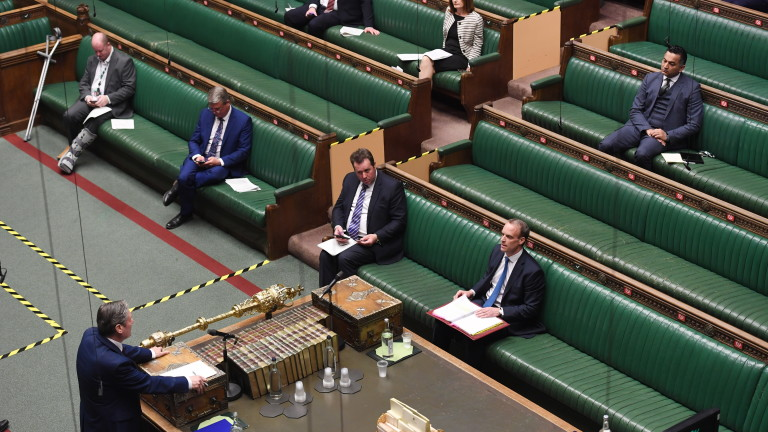 Британският парламент гласува противоречивия закон за Брекзит