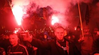 Украински националисти нападнаха цигани с брадви и чукове