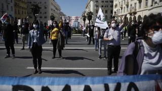 Хиляди протестираха в Гърция срещу задължителните маски в училищата
