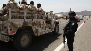 Осем души са убити при показен разстрел в Мексико