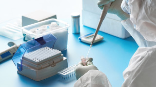 В Обединеното кралство тестват лекарство за подагра срещу COVID-19