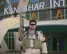 Атентатор самоубиец взриви афганистански войник в Кабул