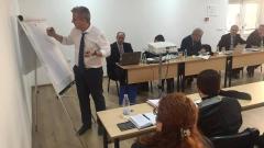 Няма да се закриват общински болници, уверява Москов