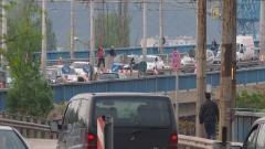 Задръстване на Аспаруховия мост заради катастрофа с абитуриенти