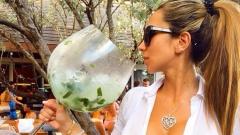 Секси блондинка стана талисман на Барса (СНИМКИ)