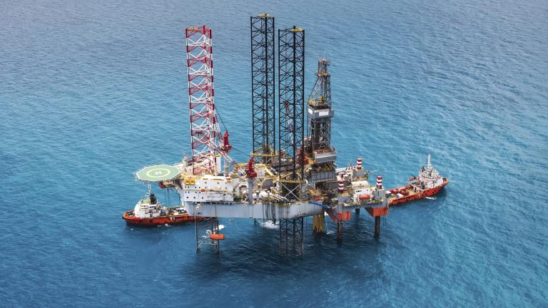 Откриха голямо петролно находище край бреговете на Ангола