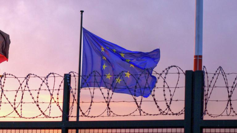 Източна Европа да прекрати съпротивата и да приеме мигранти, призова Брюксел