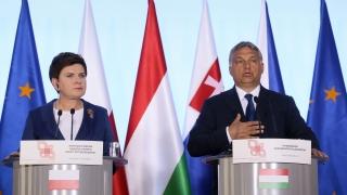 Унгария вдига втора ограда по границата си със Сърбия