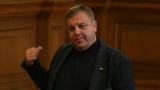 България не е страничен наблюдател на Македония, безпокои се Каракачанов