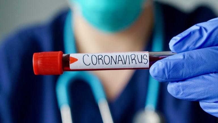 Директор на шуменско училище помага на медици в борбата с COVID-19