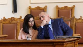 Борисов пръв подписа меморандума с реформаторите