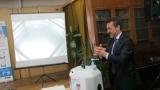 Френският посланик показа как се мият ръце