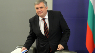 Малки шансове за обединена лява кандидатура за президент, притеснен Калфин