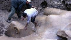 8-метрова статуя на 3000 години бе открита в Кайро
