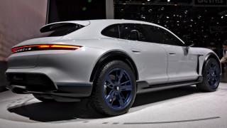 Porsche тества най-скъпото и бързо комби в света