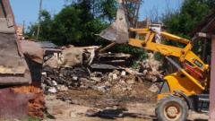 Бутат незаконни постройки край бургаското езеро Вая