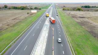 АПИ с апел да се спазват правилата за движение и да не се ползва аварийната лента по магистралите