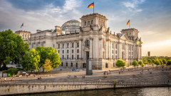Германската икономика нараства с бавни темпове тази година и повече следващата