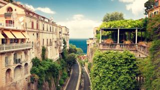 Това са 12-те най-евтини курорти за двойки в Европа