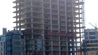 """Съдът не е сезиран за законността на небостъргача """"Златен век"""""""