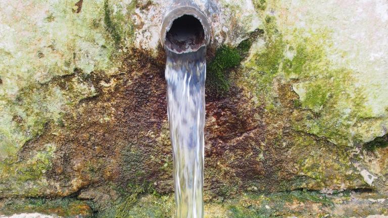 Изследват водата от планинските чешми в Сливен