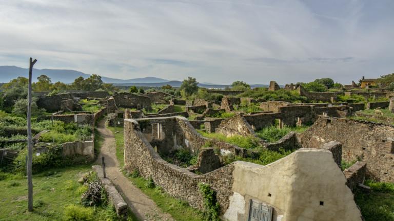 Демографските промени оставиха испанската провинция със стотици призрачни селища, пише