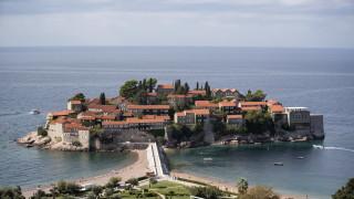 Деветима полицаи са пострадали при стълкновения с протестиращи в Черна гора