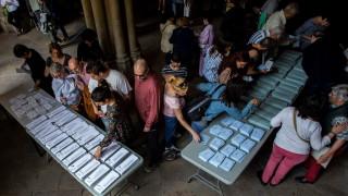 Социалистите печелят в Испания, поражение за Народната партия